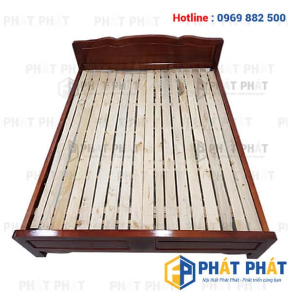 Sử dụng giường gỗ keo giúp không gian phòng ngủ trở nên ấm cúng - 1
